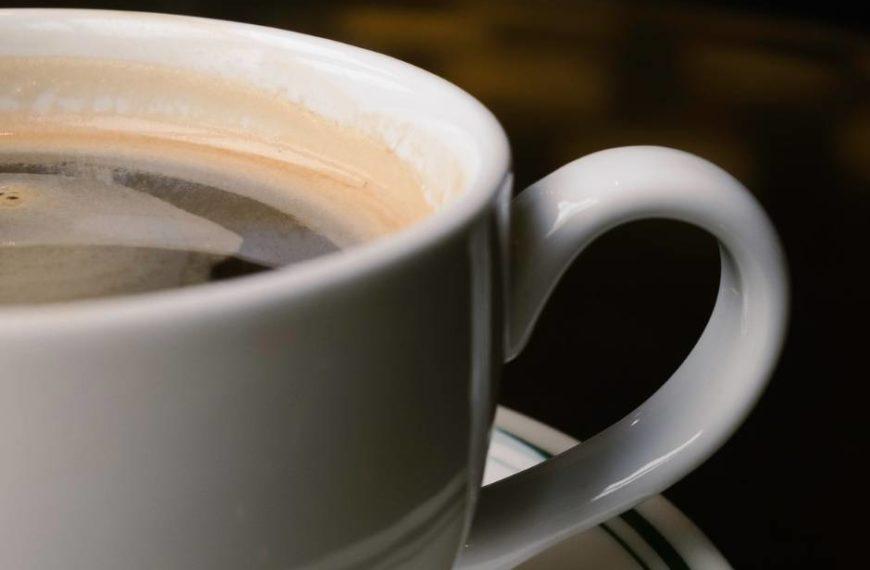 QU'EST-CE QU'UN LONG CAFÉ NOIR ET COMMENT LE FAIRE