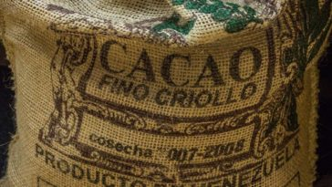 Venezuela cocoa bag