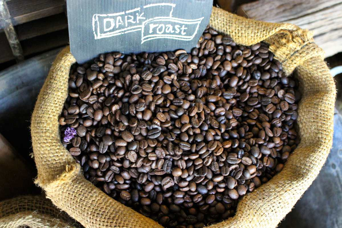 UGANDA SEES COFFEE EXPORTS HIT 30 YEAR RECORD